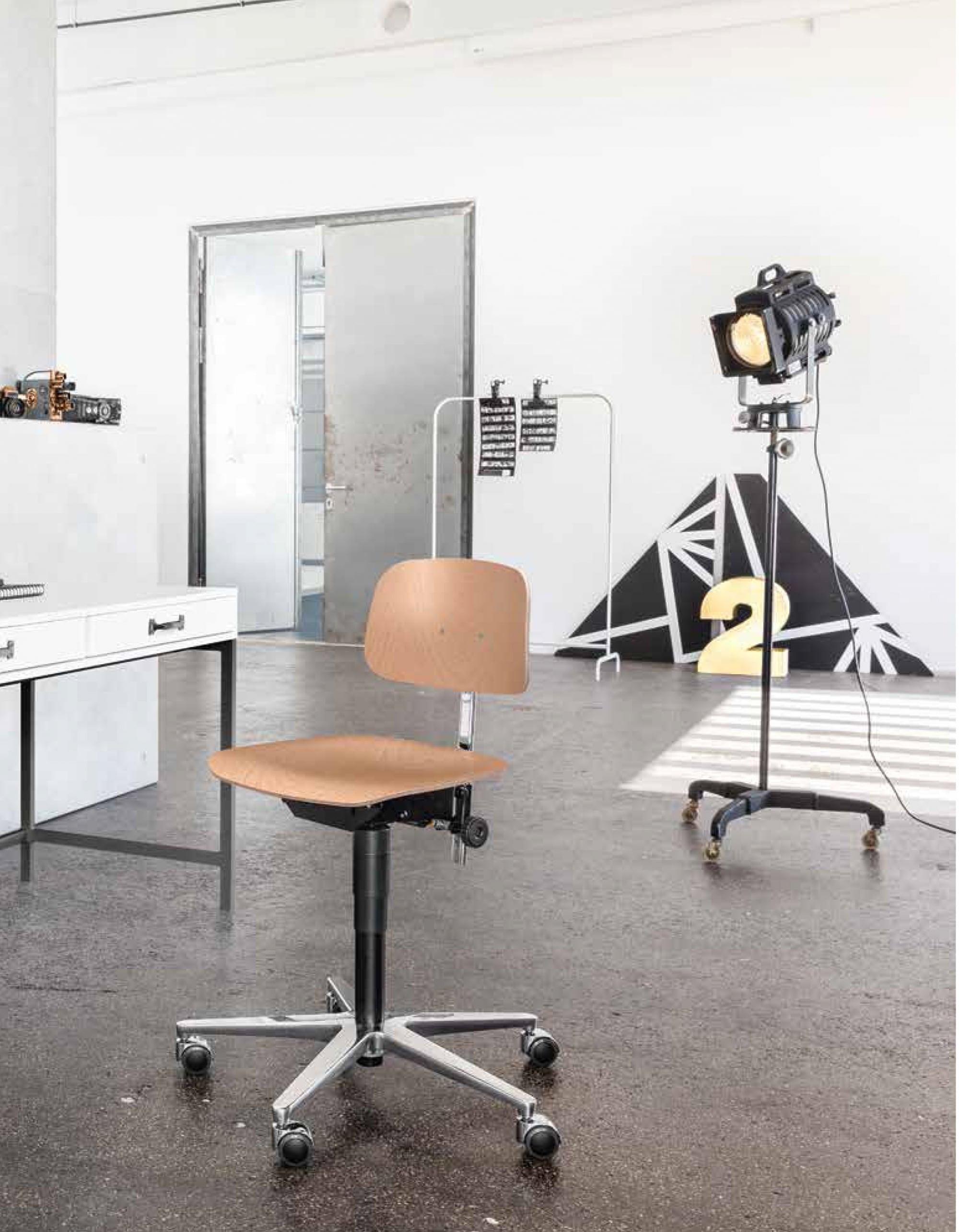 Drehstuhl, ergonomisch, sitzen, einstellbar, Synchronmechanik, Retro, Dauphin