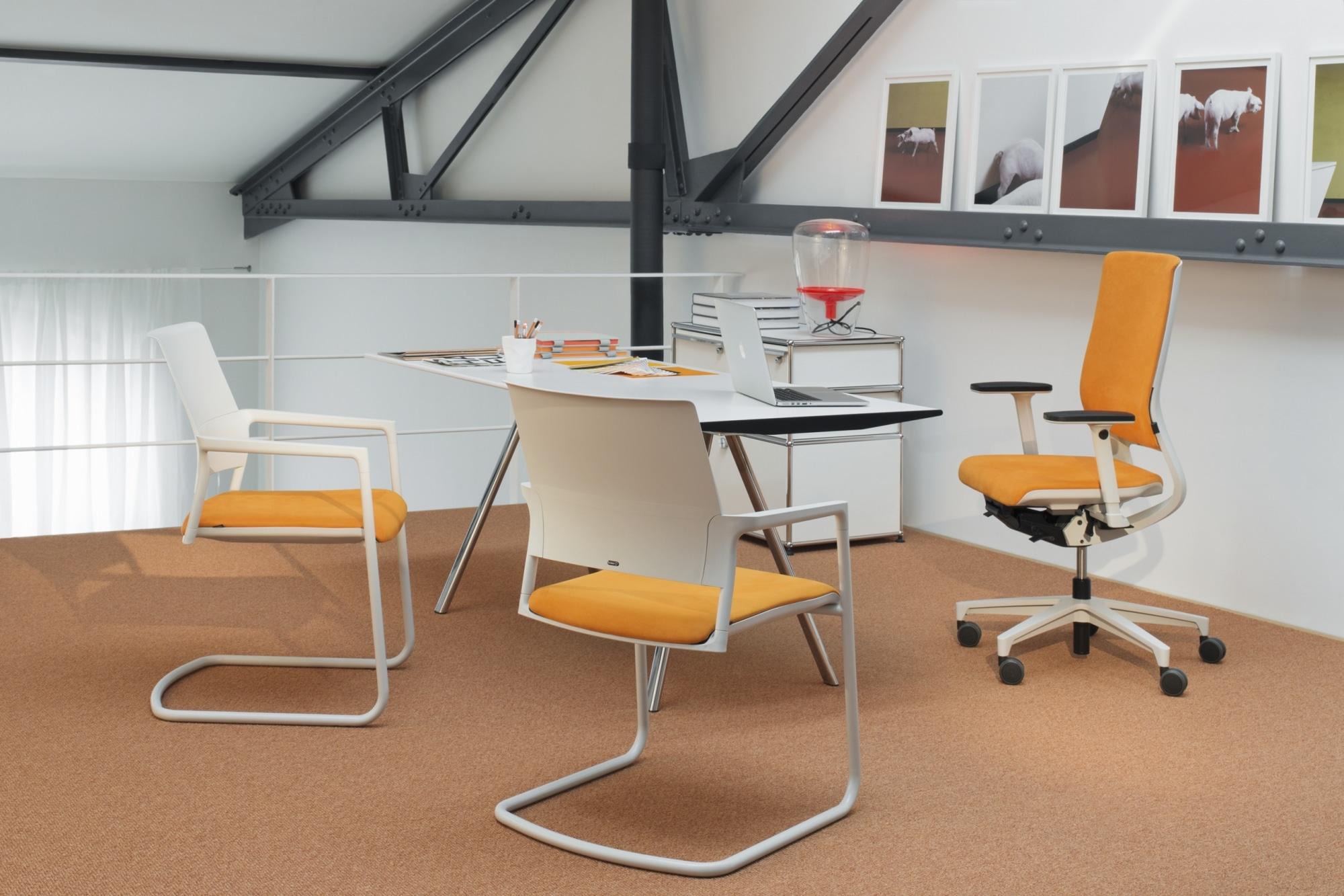 Drehstuhl, ergonomisch, sitzen, Design, einstellbar, Synchronmechanik, Klöber, Besucherstühle, weiß