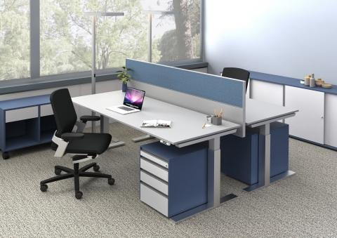 hali Büromöbel, Büroarbeitstisch, Tischsystem, s476, Sitz-Steh-Tisch, Sitz-Steh-Rechtecktisch, höhenverstellbar, Schreibtisch, Ergonomie, flexibel, Beinfreiheit, arbeiten, Büro, Office, Tischpaneel, 3. Ebene, Tischzubauten, box, Schiebetürenschrank