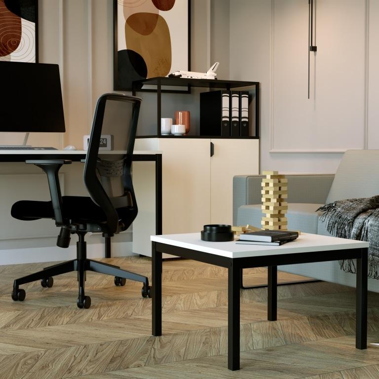 Homeoffice mit Couch und Couchtisch der Serie s60 mit schwarzem Tischgestell und weißer Melamin Tischplatte.