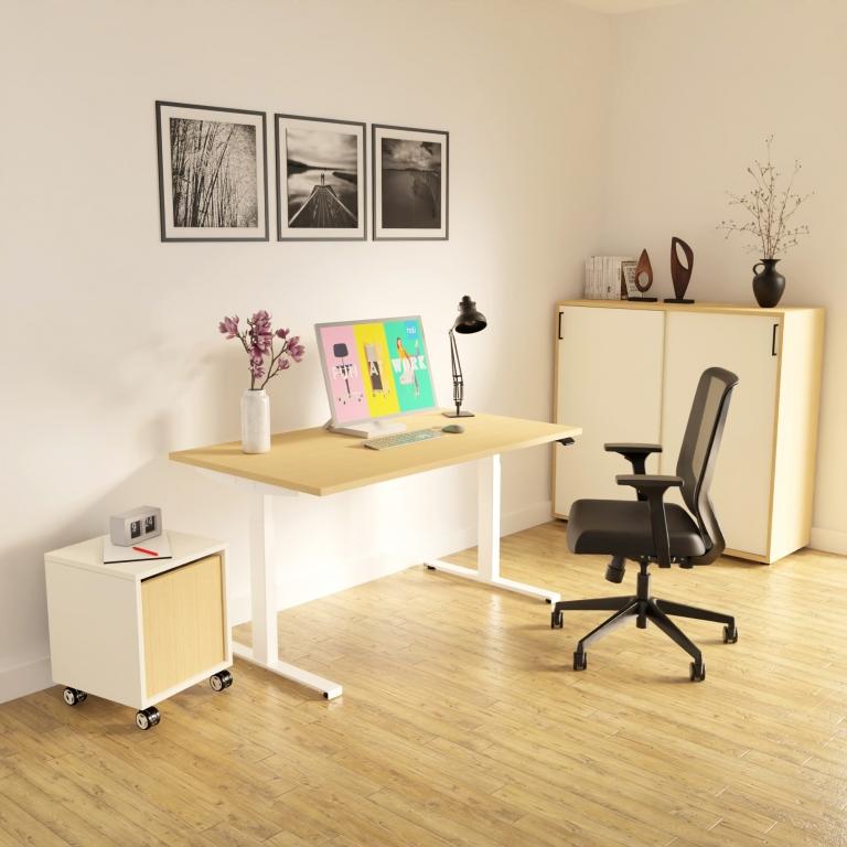 Homeoffice mit elektrisch höhenverstellbarem Schreibtisch s32 mit holzoptik Tischplatte und weißem Gestell