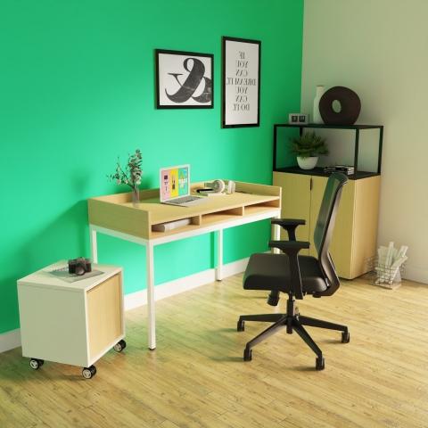sk61 Sekretär Tisch für Homeoffice mit weißem Gestell und Tischplatte in eiche in einer Ambiente Szene dargestellt
