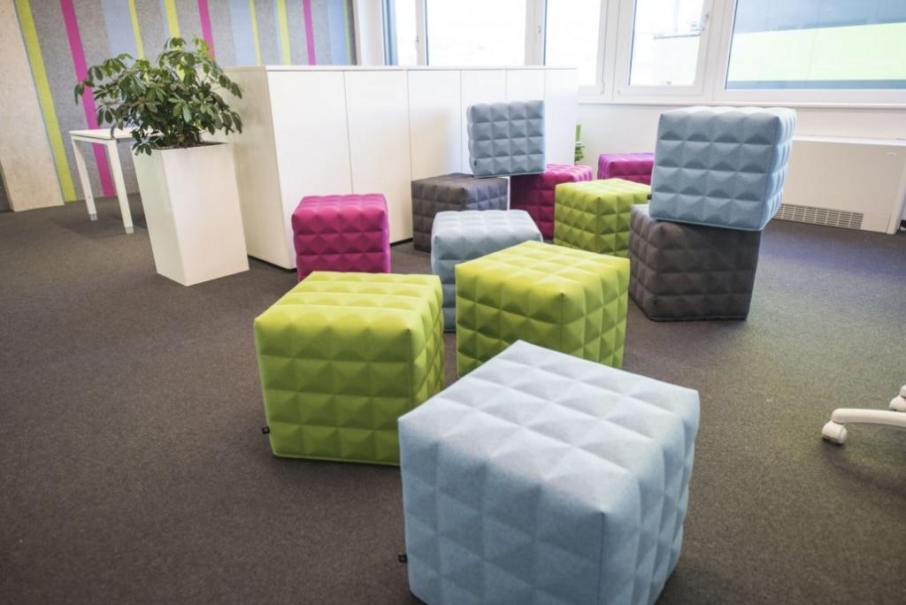 hali Büromöbel, Referenz, Referenzen,Stauraum, Begrünnung, butn, Sitzmöglichkeit, Sitzcubes, Kreativraum, Meeting, Besprechung, flexibel